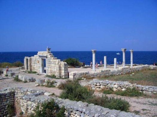 Руины древнегреческого города Херсонес
