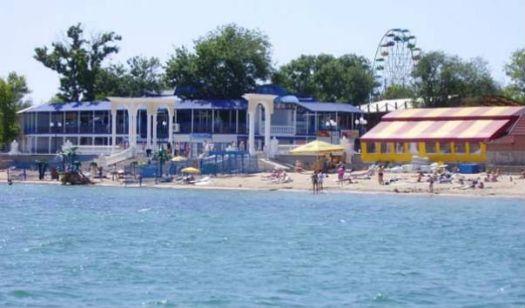 Пляж ''Курортные Романы'' - один из самых лучших платных пляжей Евпатории