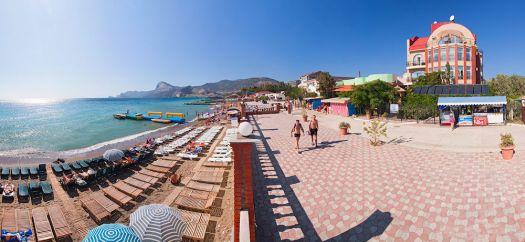 Пляж ''Миллениум'' особенно популярен среди семей с детьми, здесь пологий заход в воду