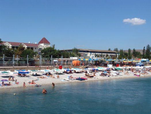 Пляж ''Приморье'' - чистый и очень просторный