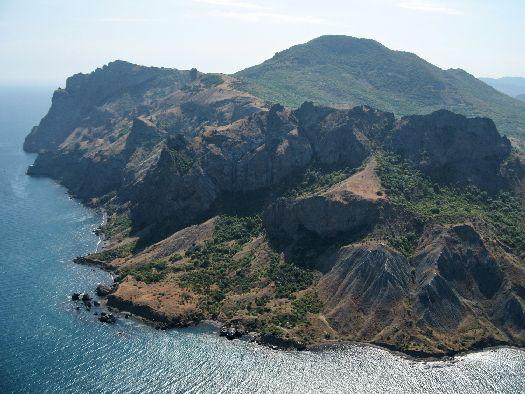 Многие ценители крымский природы считают, что Карадаг - один из красивейших уголоков полуострова