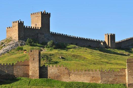 Главная достопримечательность Судака - Генуэзская крепость
