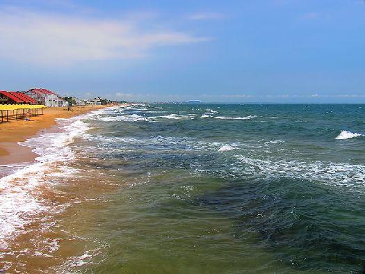 15 километров береговой полосы Феодостии из-за своего цвета получили название Золотого пляжа