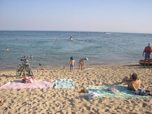 Запад Крыма - очень популярный для отдыха регион полуострова среди туристов как из России, так и всего СНГ