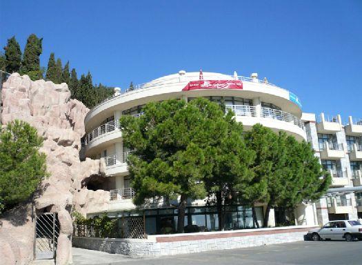 Для удобства посетителей аквапарка построили прекрасный отель с одноимённым названием