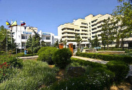 ''Орен-Крым'' - один из самых молодых санаториев города с прекрасными садово-парковыми зонами