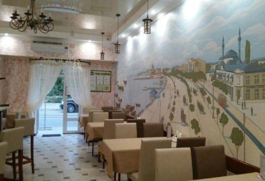 В кафе Бейлер светло и уютно - подходящая обстановка для отличного завтрака