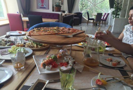 В заведениях Евпатории помимо крымских блюд представлены кухни и других народов мира