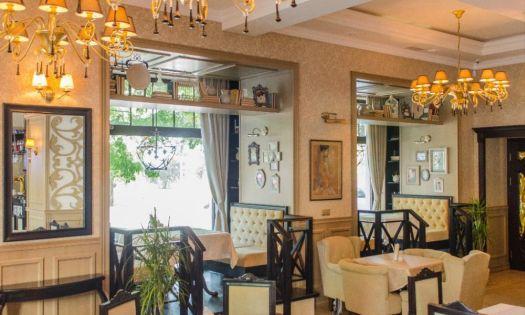 Романовский зал в ресторане Модерн подходит для торжественных мероприятий и особых случаев