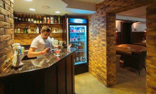 В Арт-кафе по вашему заказу бармен сделает коктейль с настроением