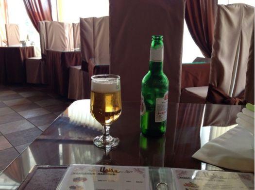 Изюм радует не только уютным и чистым залом, но и разнообразным меню и широким выбором напитков в баре
