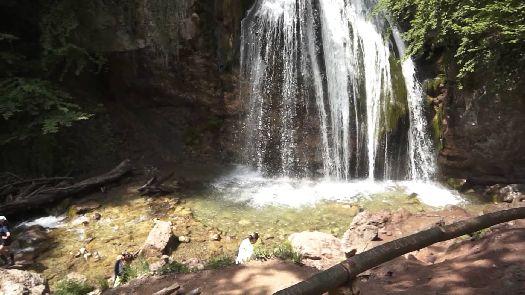 Май - возможно, лучшее время для посещения крымских водопадов!