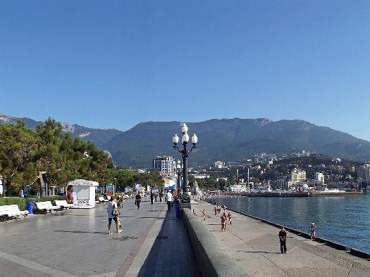 Ялта - самый популярный город для отдыха в Крыму, а вот где лучше остановиться на этом курорте Вы узнаете из нашей статье