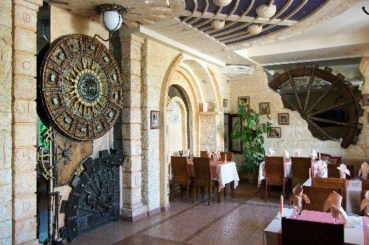''Атмосферный'' ресторан ''Парадиз'' предлагает вкусные блюда и отличную обстановку по вполне умеренным ценам